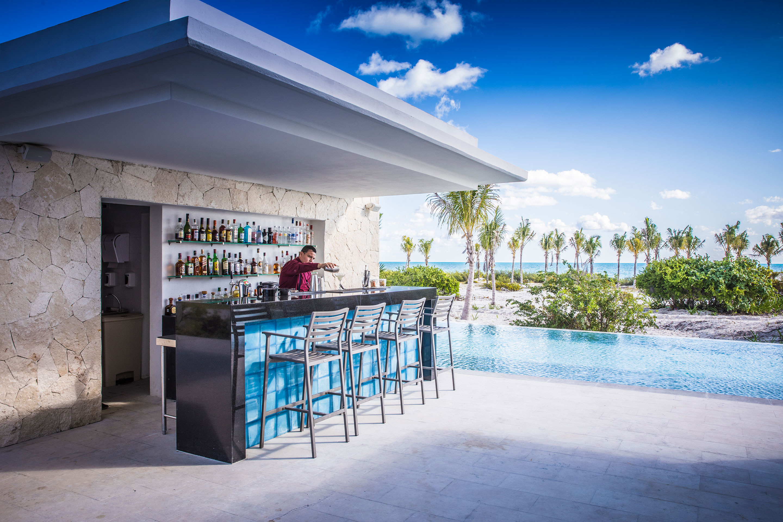 Majestic Elegance Costa Mujeres - Infinity Bar
