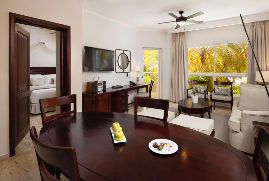 Melia Caribe Beach - Melia Caribe Beach - The Level Grand Suite Livingroom