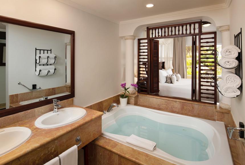 Melia Caribe Beach - Melia Caribe Beach - The Level Grand Suite Bathroom