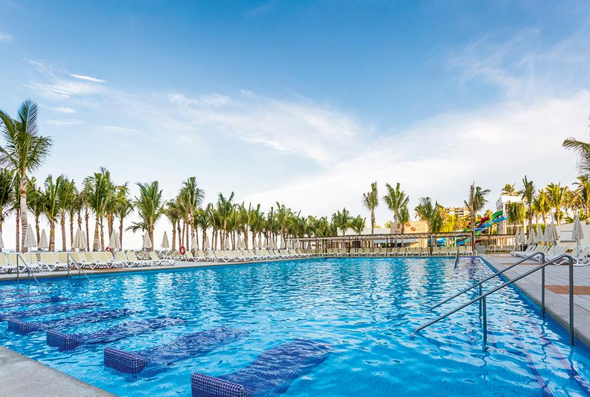 Riu Emerald - Riu Emerald Bay - Pools