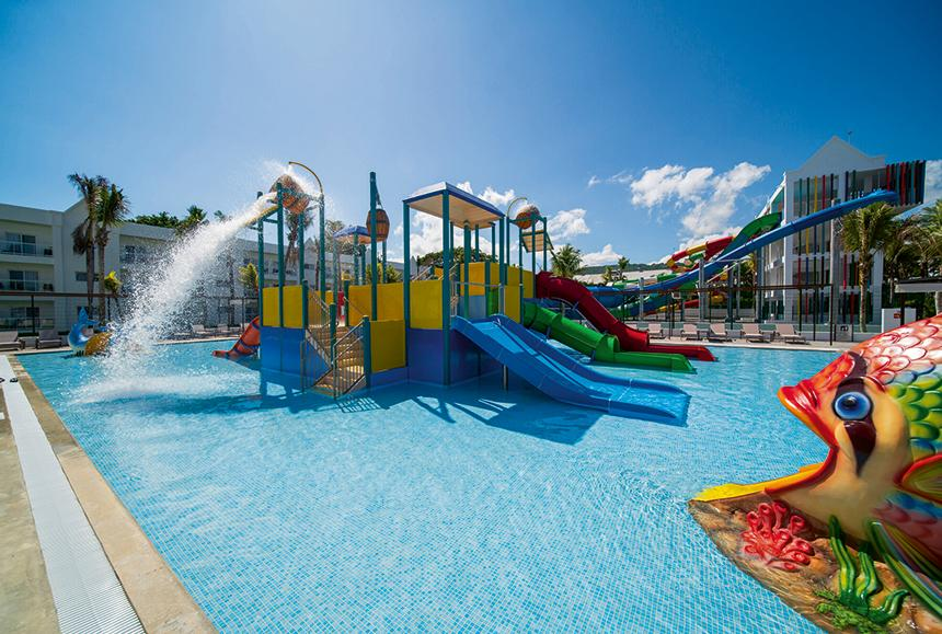 Riu Ocho Rios-Riu Ocho Rios - Children´s pool with slides