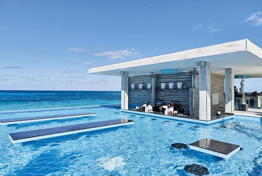 Riu Palace Paradise Island-Riu Palace Paradise Island -  Swim up Bar