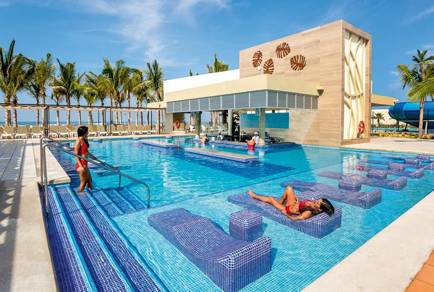 Riu Emerald - Riu Emerald Bay - Swim-up bar