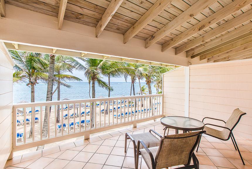 St James Club & Villas - St James Club & Villas - Beachfront Room Balcony