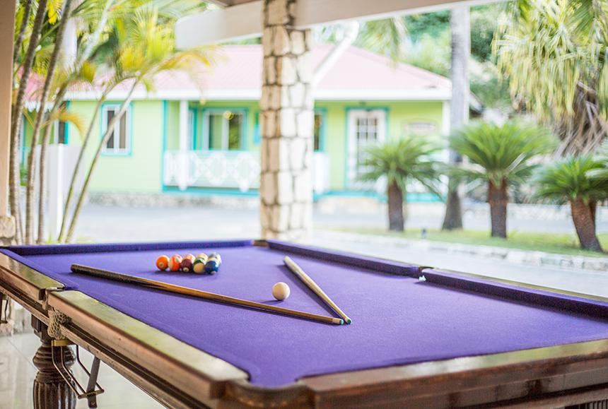 Pineapple Beach Club - Pineapple Beach Club Antigua - Billiards