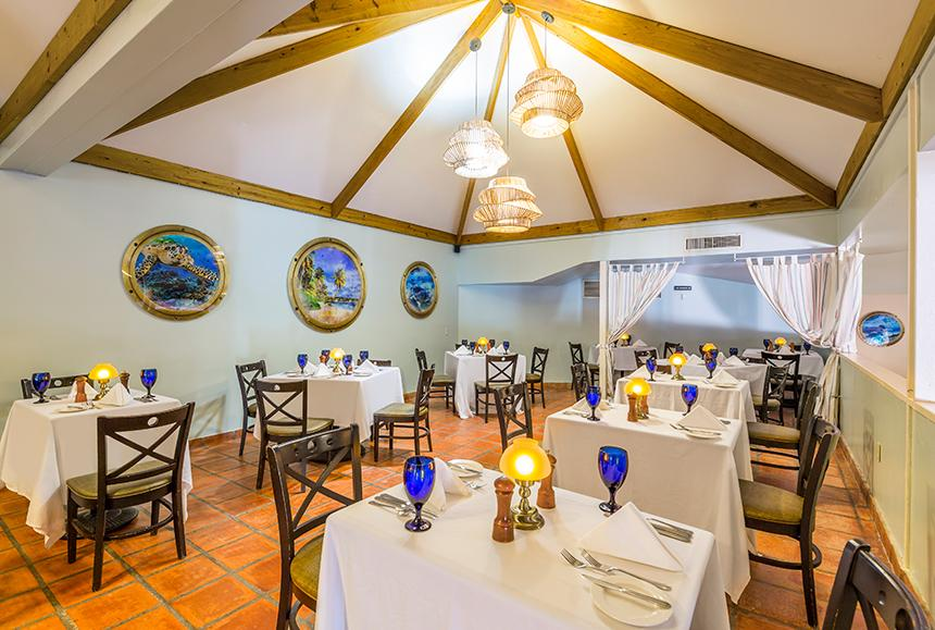 Pineapple Beach Club - Pineapple Beach Club Antigua - Pineapple Grill