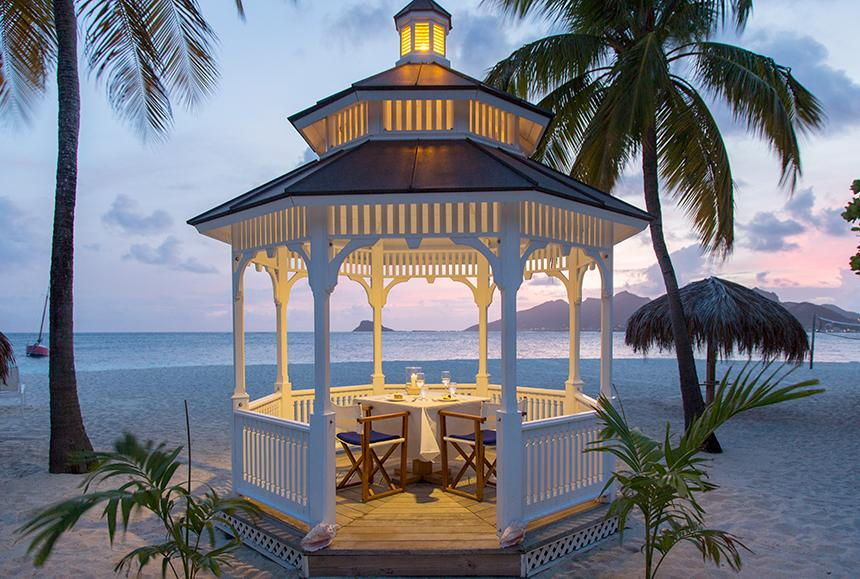 Palm Island An Elite Island-Palm Island An Elite Island - Romantic Gazebo Dinner