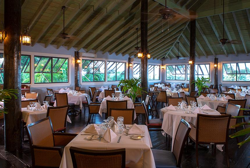 Verandah Rst & Spa - The Verandah Resort & Spa - Seabreeze Restaurant