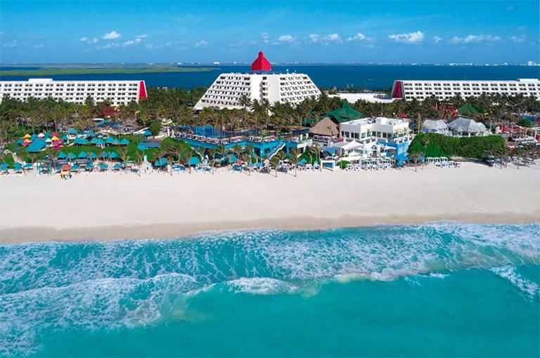 Cancun Vacation Package with Airfare | Liberty Travel